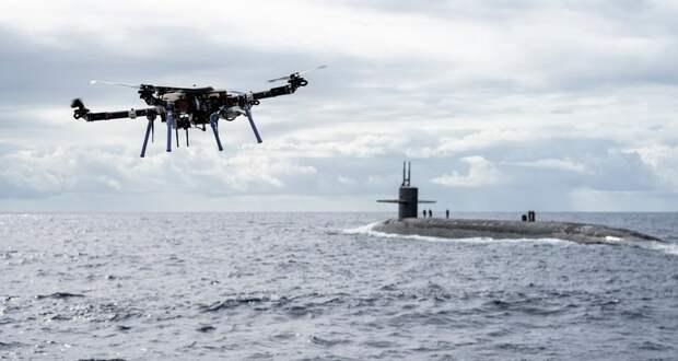 Квадрокоптер доставил груз на подводную лодку
