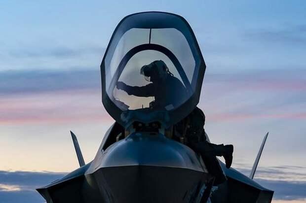 Baijiahao: США получили «резкий» ответ от России на внезапное развертывание десятков истребителей F-35 в Азии