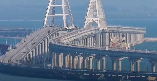 В Сети появилось видео, как народ ломанулся по Крымскому мосту на полуостров на праздники