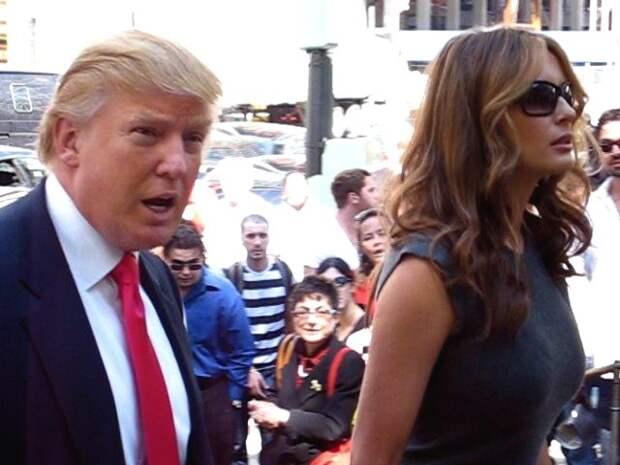 Всей семьей: у Дональда и Мелании Трамп нашли COVID-19