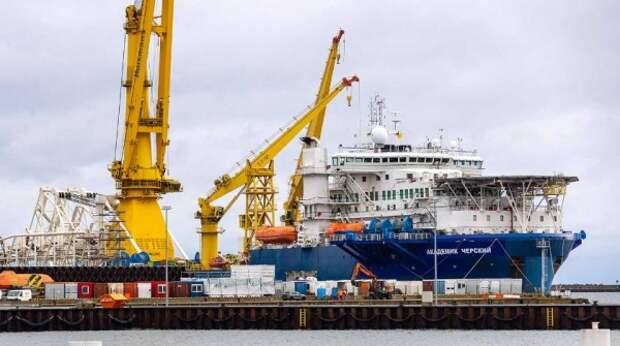 """У зоны строительства """"Северного потока – 2"""" заметили военные корабли"""