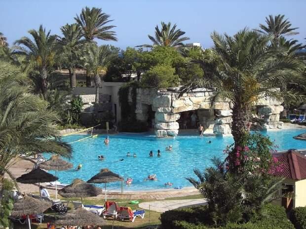 Границы Туниса будут открыты для привитых туристов с 1 июня