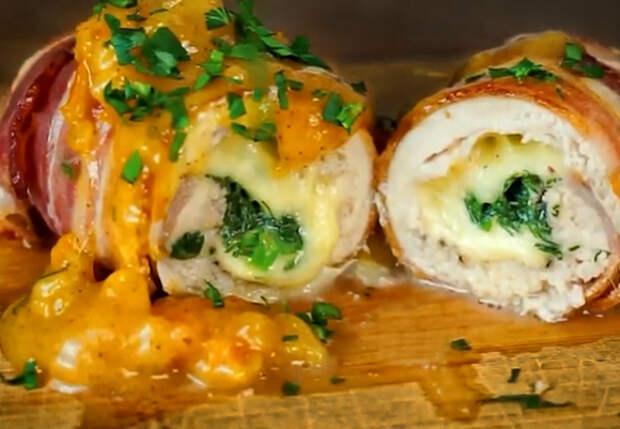Жарим курицу рулетиками: оборачиваем начинку из грибов и сыра