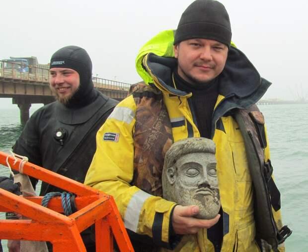 Терракотовый бог из-под Крымского моста