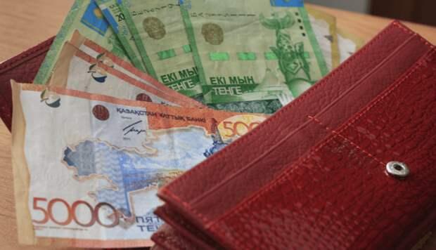 Среднемесячная зарплата в Казахстане в марте составила Т224 715 – БНС