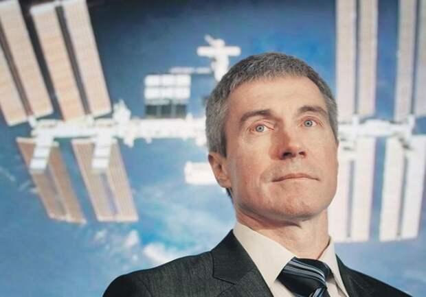 Роскосмосу космонавты не нужны. Единственного космонавта уволили из руководства за критику
