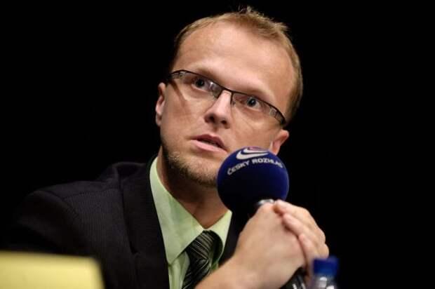 Чешский чиновник стал жертвой скандала сРоссией