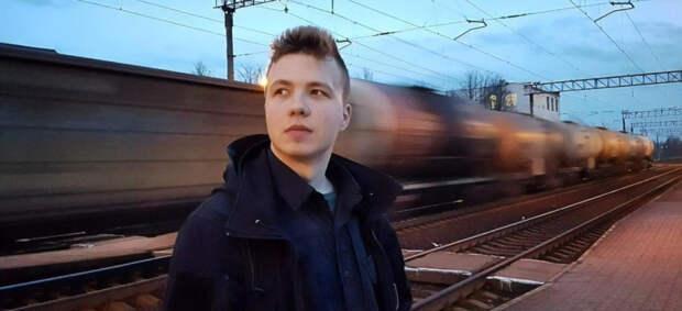 Роман Протасевич дал интервью в ходе брифинга МИД Белоруссии