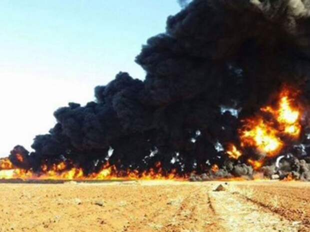 Истребители российских ВКС разнесли в Сирии колонну нефтеналивных танкеров