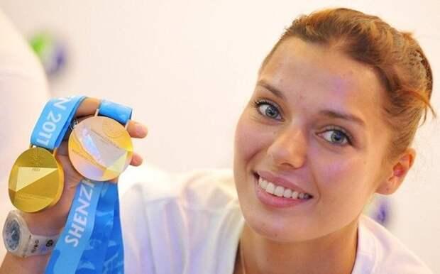 24-е место: Камилла Гафурзянова (род. 18 мая 1988) - российская фехтовальщица, серебряный призёр Олимпийских игр в Лондоне.