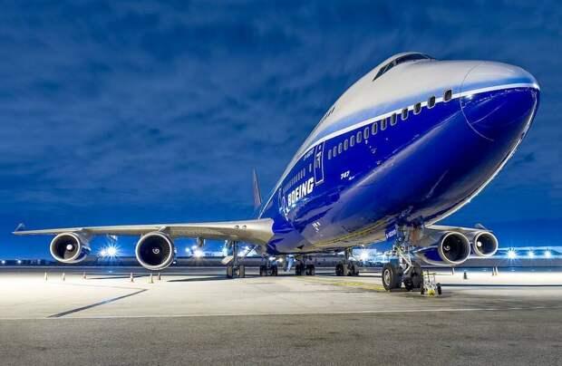 Почему в названиях лайнеров Boeing всегда в начале и в конце есть цифра 7