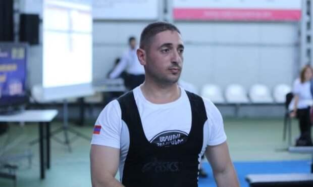 В Карабахе погиб чемпион Армении по триатлону Татул Арутюнян