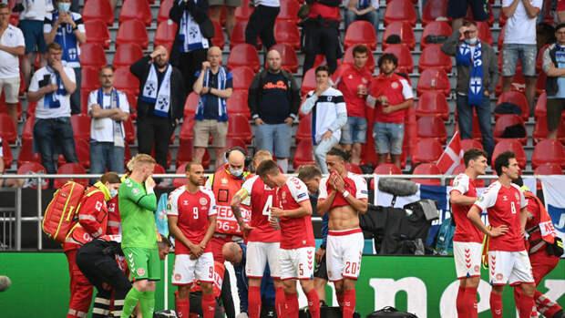 Сборные Дании иФинляндии возобновили матч Евро-2020