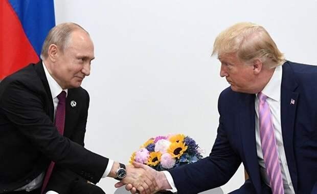 CNN: американских чиновников пугает заискивание Трампа перед Путиным