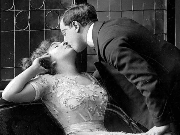 10 секс-советов, которых придерживались влюбленные в XIX веке.