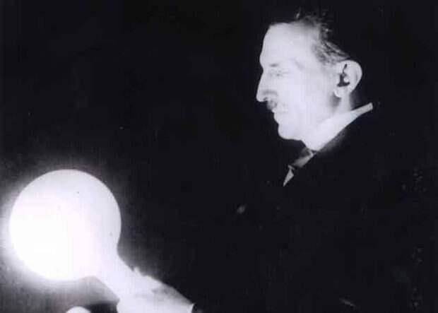 Неоновая лампа Тесла