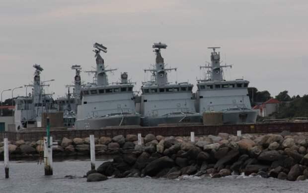 Списанные тральщики ВМС Дании в ожидании приобретения их Украиной, что вряд ли когда-нибудь случится