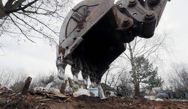 В Ломоносовском районе демонтирован незаконно установленный шлагбаум