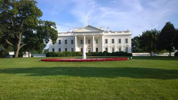 Байден отменил семь президентских указов Трампа
