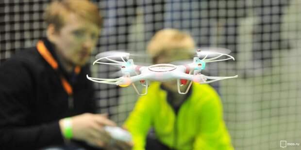 Восьмиклассники из школы №1550 создали беспилотник для наблюдения за насекомыми