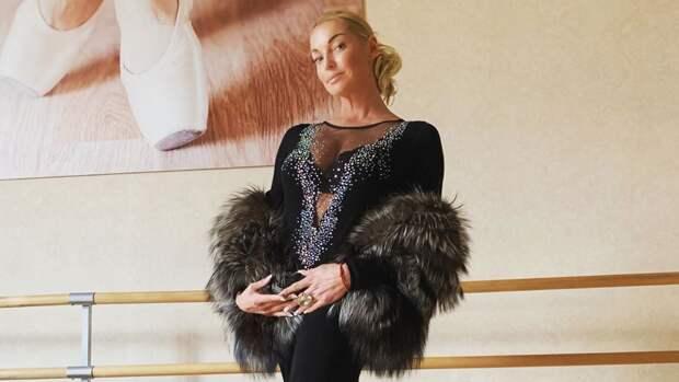 """Волочкова объяснила, почему стала """"злейшим врагом"""" для близких"""