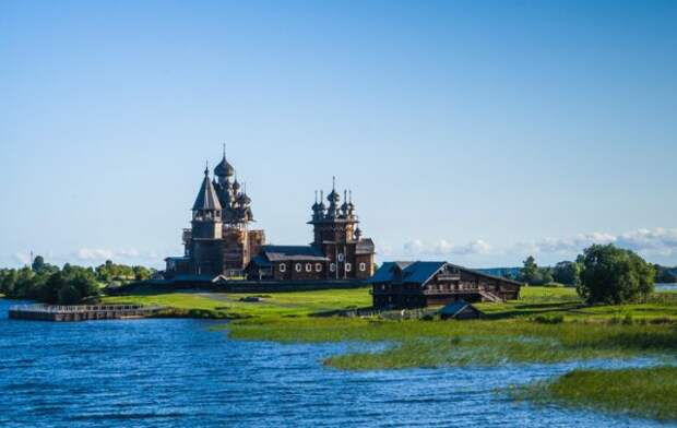 Этим деревянным церквям 300 лет. Они стоят, хоть в них нет ни одного гвоздя!