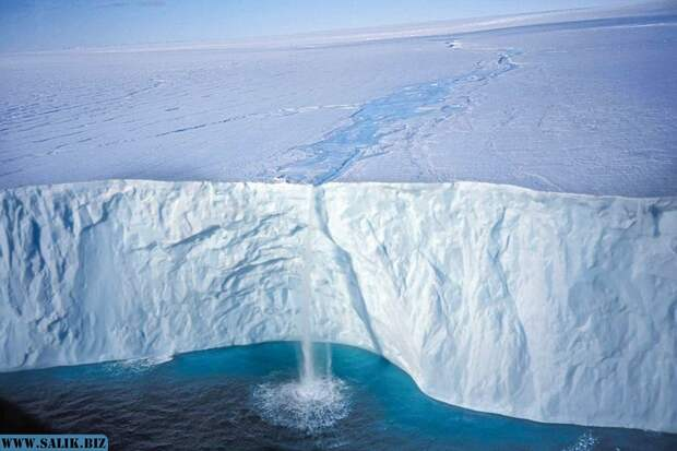 Ученые выяснили, как океан плавит антарктический лед