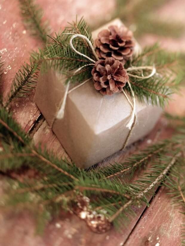 Упакуйте самостоятельно подарки и оригинальные украсте их, так вы выразите теплое отношение к своим близким