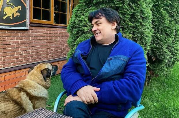 Александр Серов госпитализирован с коронавирусом