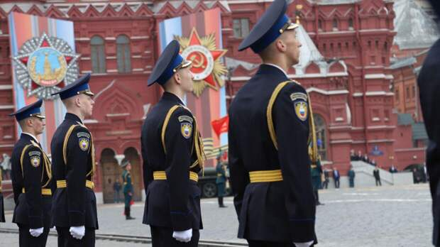 Участникам парада Победы на Красной площади пообещали хорошую погоду