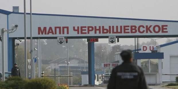 Могут не справиться: Литва не пропустила 4 российских солдат через границу
