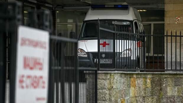 Один человек погиб в ДТП с грузовиком на Московском большом кольце