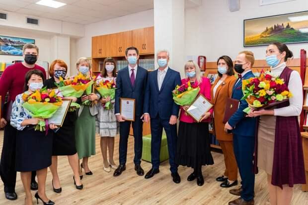 Сергей Собянин посетил отремонтированное здание школы №1517 на Живописной