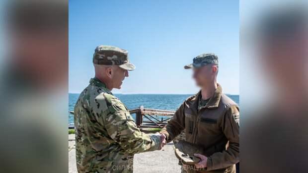 Командующий ССО ВС США в Европе генерал Д. Табори командир 73 морского центра ССО