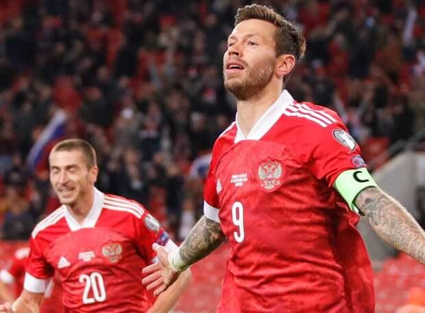 Россия победила Мальту, причем, как и Кипр, с сухим счетом, но турецкий арбитр лишил ее первого места в группе, не засчитав дебютный гол Осипенко