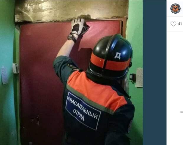 Пенсионерку в квартире на Шоссе Энтузиастов на трое суток пленила дверь «спецхранилища»