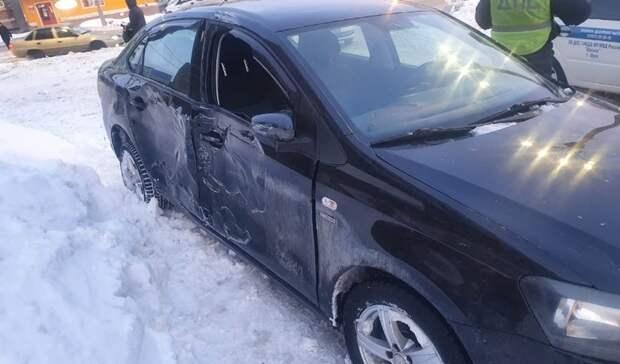 В Орске Volkswagen снеc киоск «Роспечать»