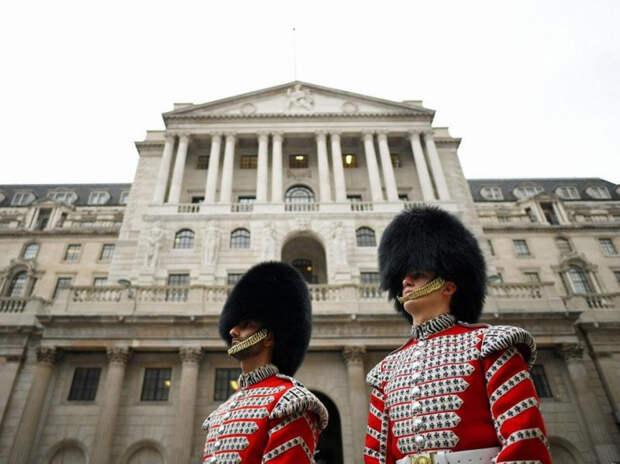 В Великобритании ввели национальный карантин из-за нового штамма СОVID-19