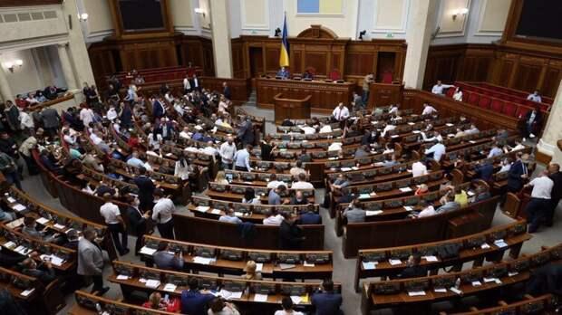 Деды зиговали. Зачем депутаты Рады предлагают отпраздновать в 2021 году юбилей акта союза с Гитлером