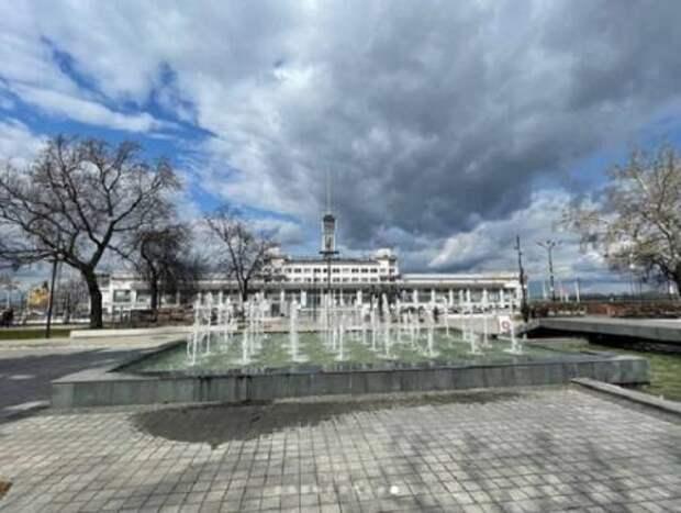 Аудиовизуальный фонтан открыт на площади Маркина в Нижнем Новгороде