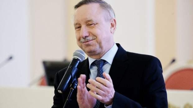 Губернатор Санкт-Петербурга вручил паспорта юным горожанам