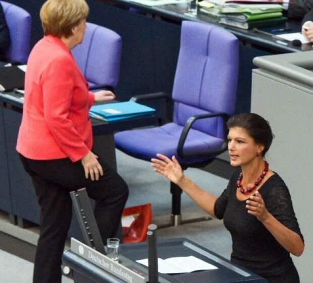 Сара Вагенкнехт жёстко ответила Меркель из-за наездов на Россию