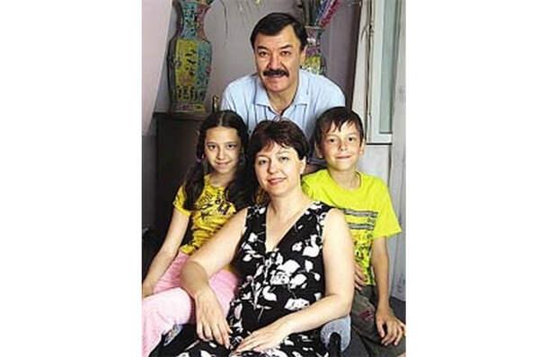 Семья Рустама Сагдуллаева.