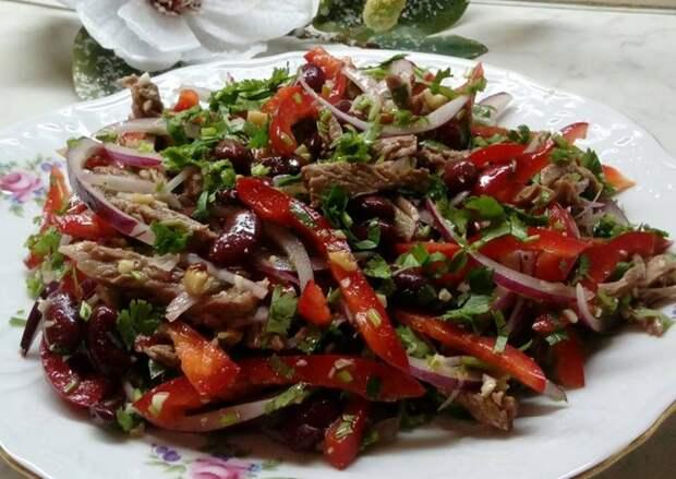 Вкуснейший новогодний салат «Тбилиси»