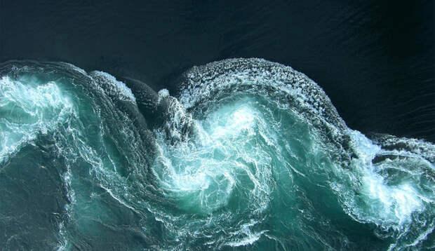 Воронка в бездну: 9 самых опасных водоворотов океана