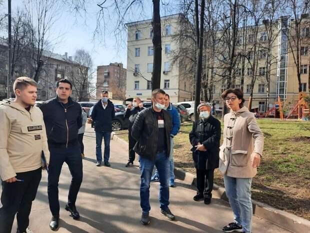 Подъезды дома в Анадырском проезде приведут в порядок по просьбе жителей