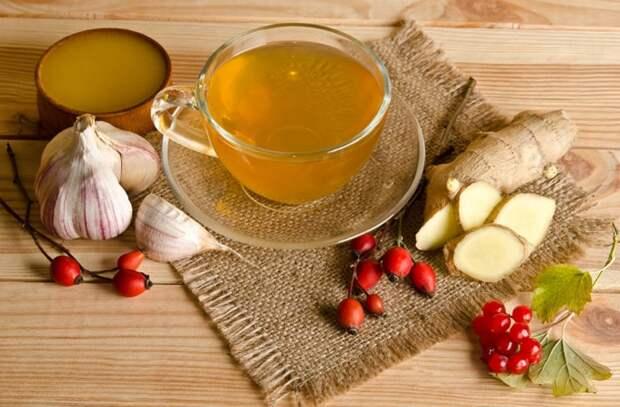 Зеленый чай, молоко или кофе помогут избавиться от неприятного запаха / Фото: chayguru.info