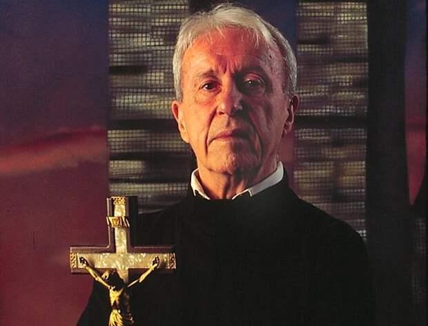 Католический экзорцист Малахия Мартин умер после нападения нечистой силы?