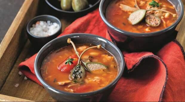 Быстрая похлебка из фасоли и тунца на томатном бульоне
