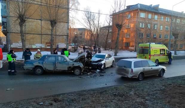 Водитель пострадал влобовом ДТП на улице Победы вНижнем Тагиле